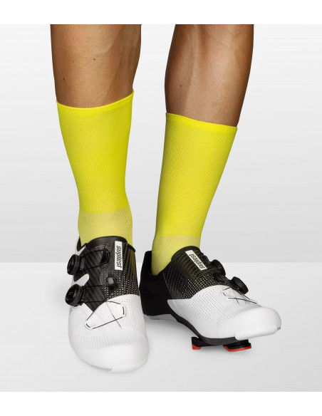 Premium yellow socks color for road cyclists. Fibers with breathable mesh structure