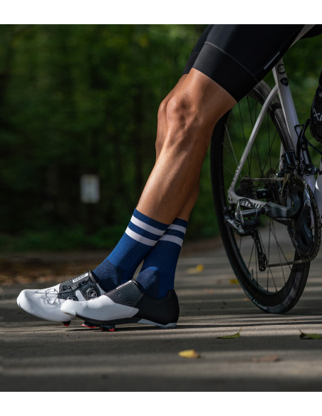 Spend more time focusing on your ride. Navy socks for road cyclists