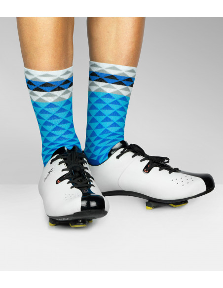 Nice looking socks perfect gift for cyclist. Blue colour and triangle pattern