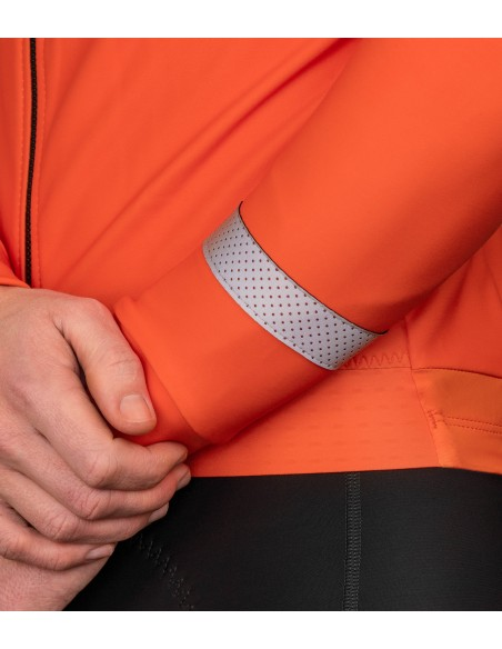 reflective elements on the sleeves provide more visibility during the ride at night and low light conditions