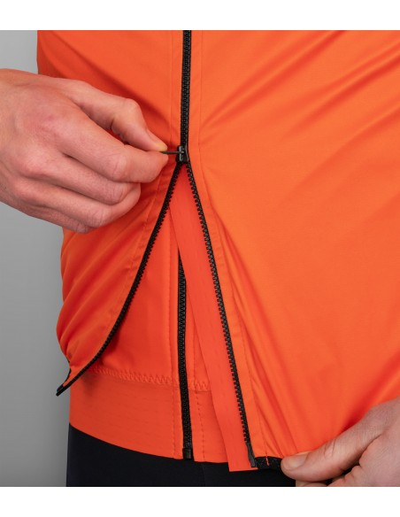 vest provides two way YKK zipper