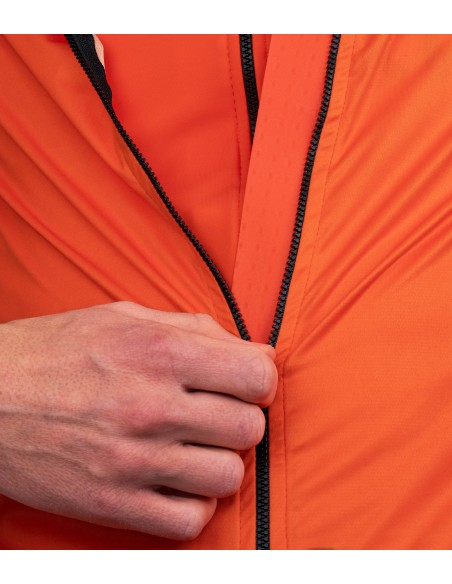 windstoper fabric help to keep body temperature during cold training days