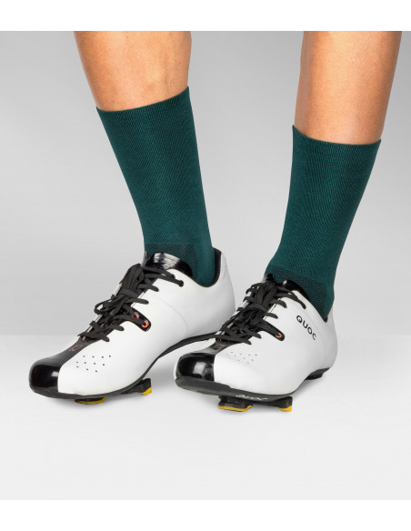 Road cycling Quoc shoes and deep bottle green Luxa socks
