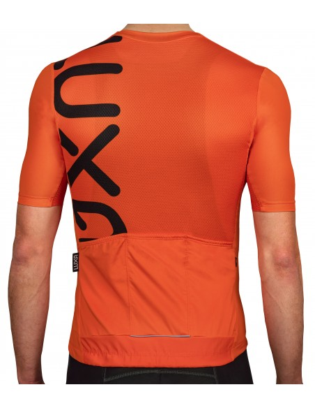 back of the jersey features high breathable fabric and reinforced back pockets