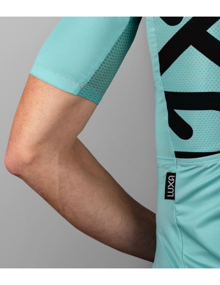 interesting design of the back with big Luxa logo one the left