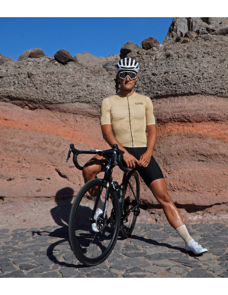 Cyclist wear Absolute Oro cycling gold kit