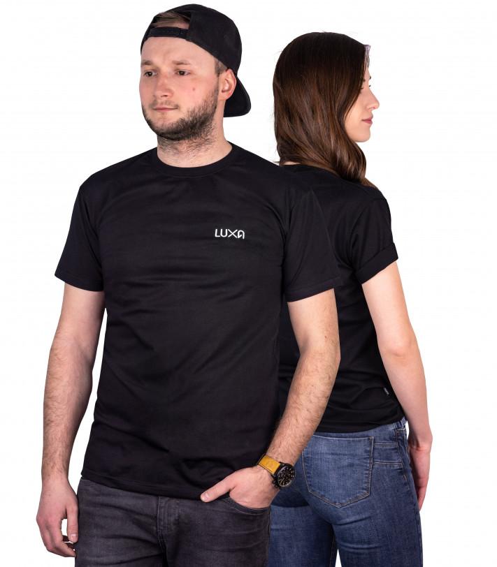 czarne koszulki typu t-shirt dla kobiet i mężczyzn wyprodukowane w Polsce z bawełny