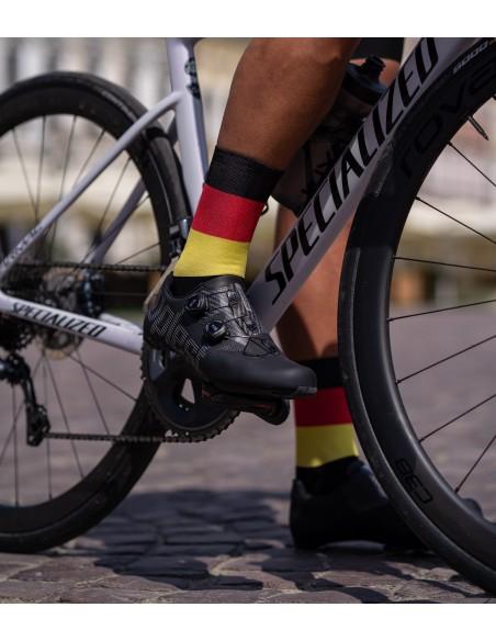 Radsocken in der Farbe der deutschen Flagge mit den Farben: schwarz, rot, gelb