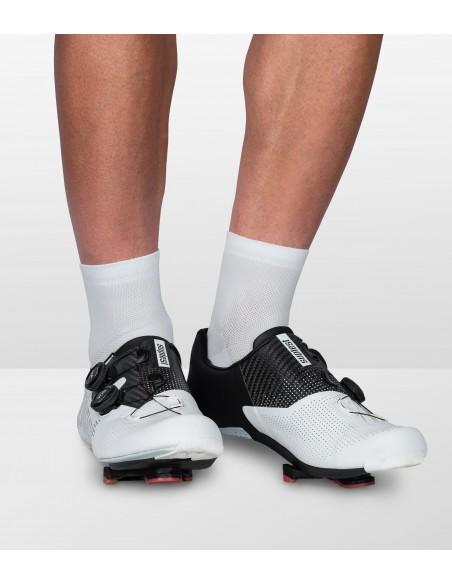 letnie skarpetki kolarskie Luxa Short całe białe o długości za kostkę, krótsze niż standardowe