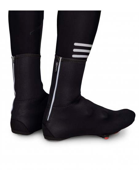 Waterproof neoprene overshoes for winter riding. Compatible with all road cycling shoes
