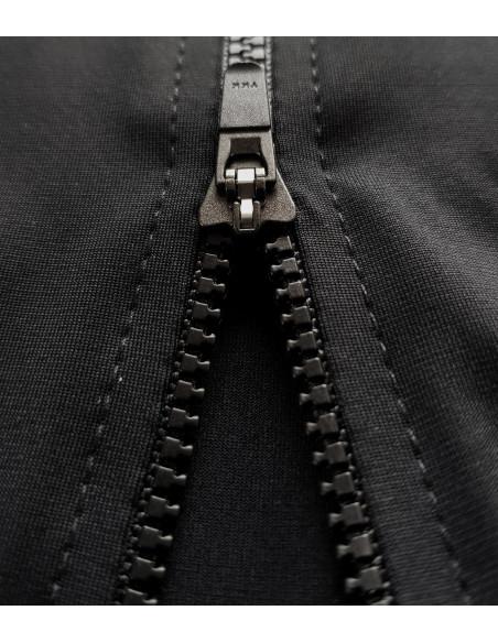 Czarny kolor zawsze w modzie. Ubierz się na rower w koszulkę Secret