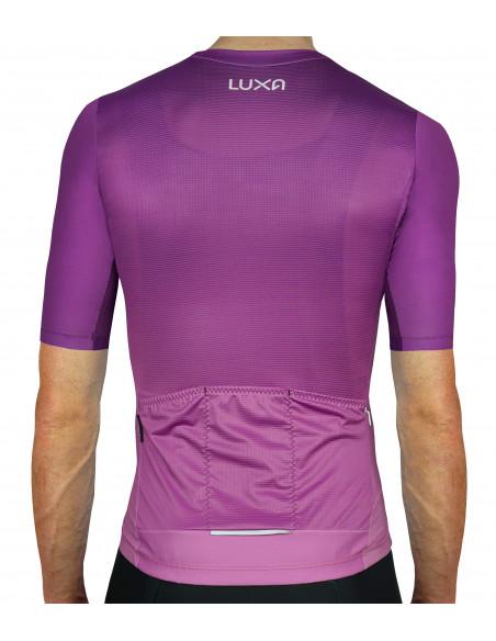 Plecy śliwkowej koszulki dla kolarzy Aurora. Wyprodukowana w Polsce | Luxa