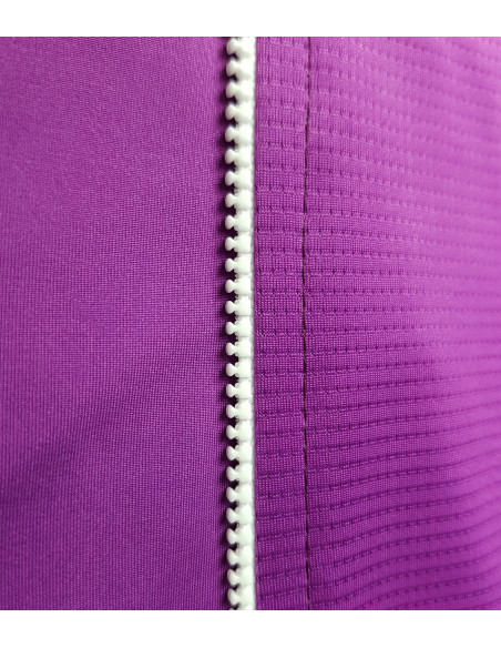 High visibility on the road. Intensive purple color of the fabric. Safe cycling