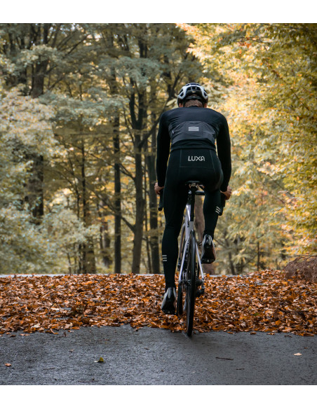 All black cycling kit during the autumn coffee rides