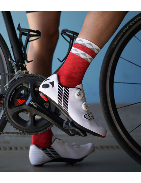 High stretchable fabric and airflow. Red Luxa cycling socks.