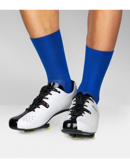 Buty szosowe Quoc i niebieskie skarpety  Luxa dla kolarzy