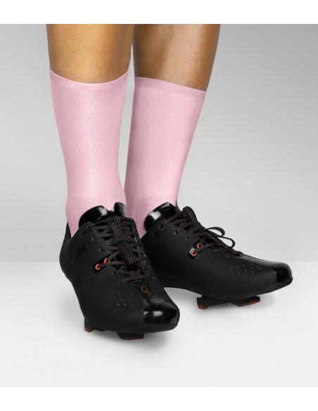 bright pink color that can be matched with any road shoes and kit combo