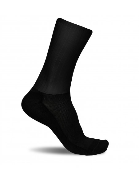 Aero cycling Luxa socks - No logo clean and unbranded design. Just only pure 100% black color.