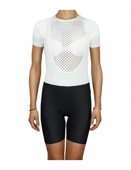 Bib shorts in women's cut adapted to the female body