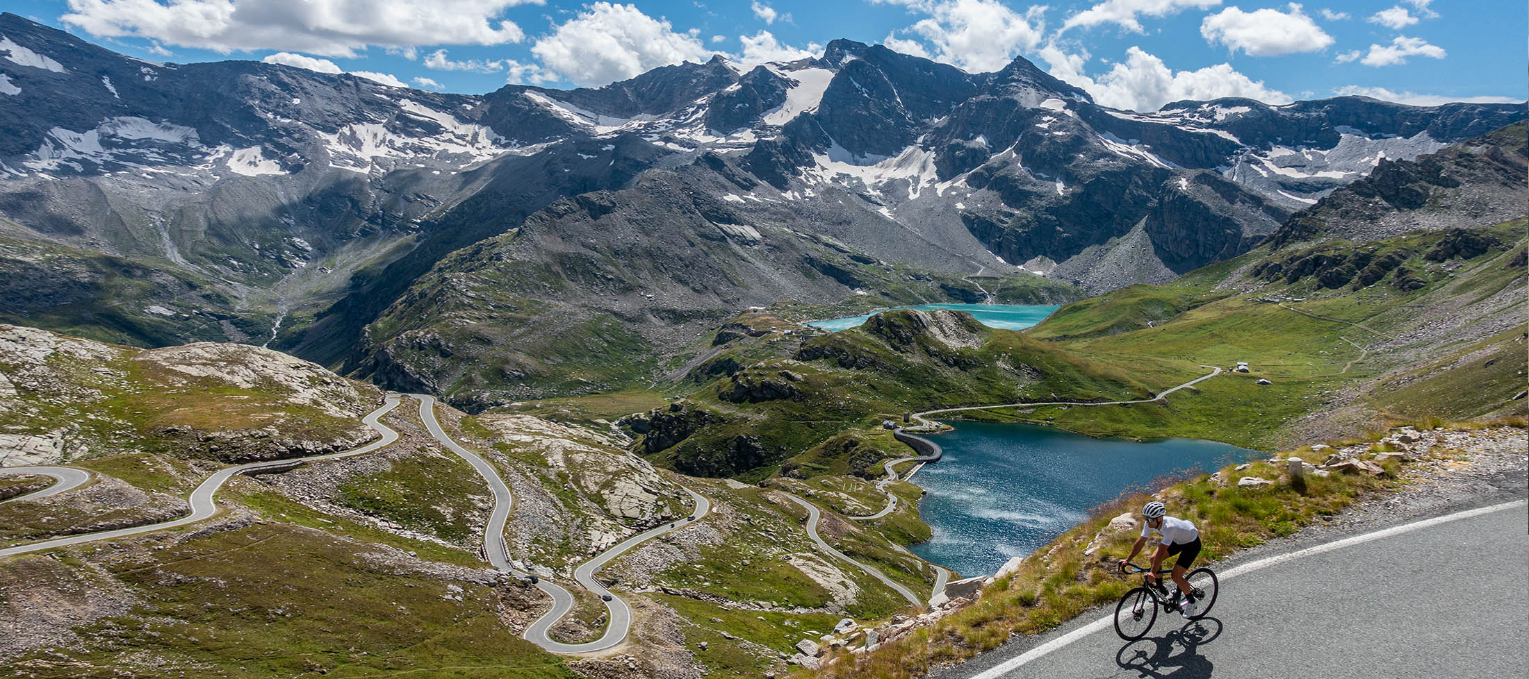 Col de Nivolet Pass in Italy - recommended place for cycling