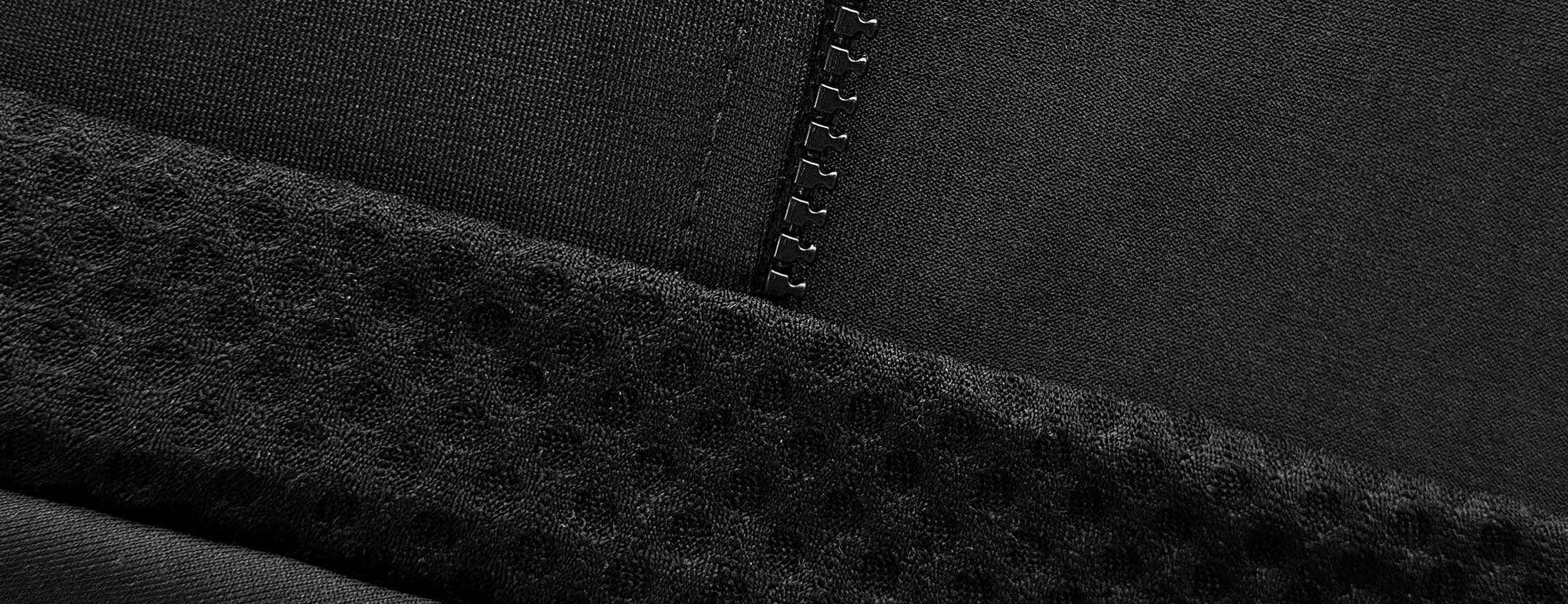 czarna koszulka rowerowa wyprodukowana przez Luxa w Polsce