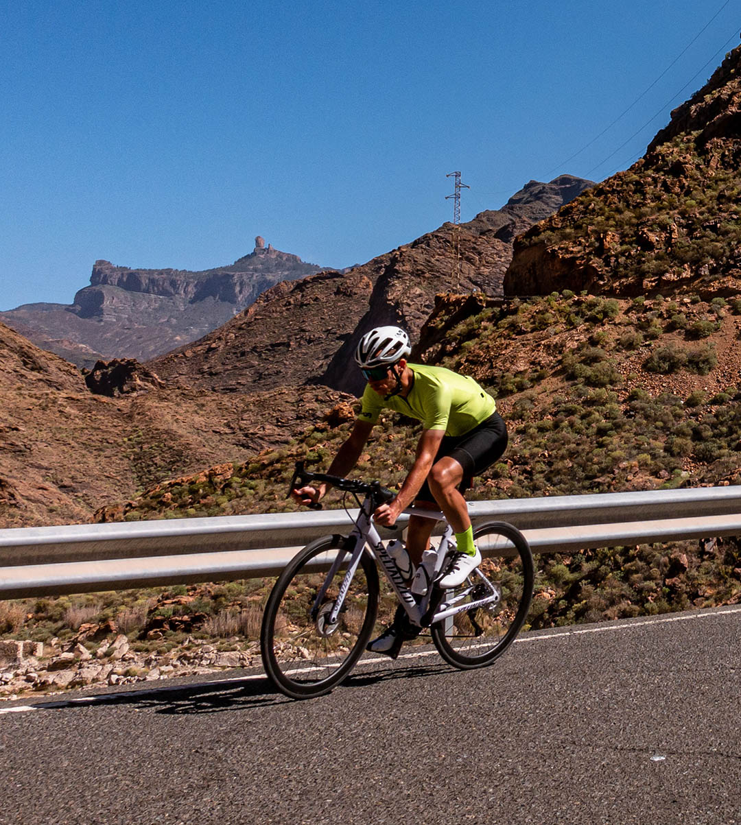 lime road cycling kit made by premium cycling apparel Luxa brand in Europe. Training camp in Gran Canaria